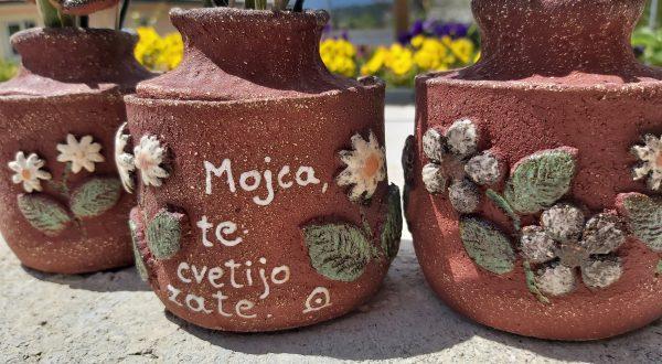 Tombstone vase