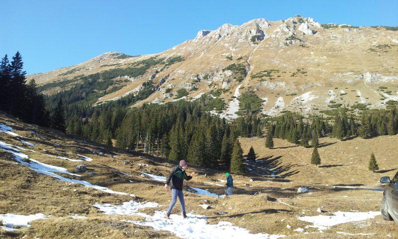 Its' time for a KaraWander hike!